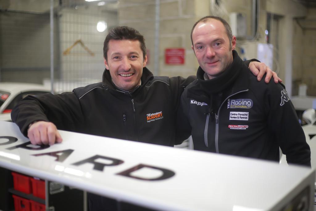 La Saison Red 233 Marre Pour Racing Technology Team Racing